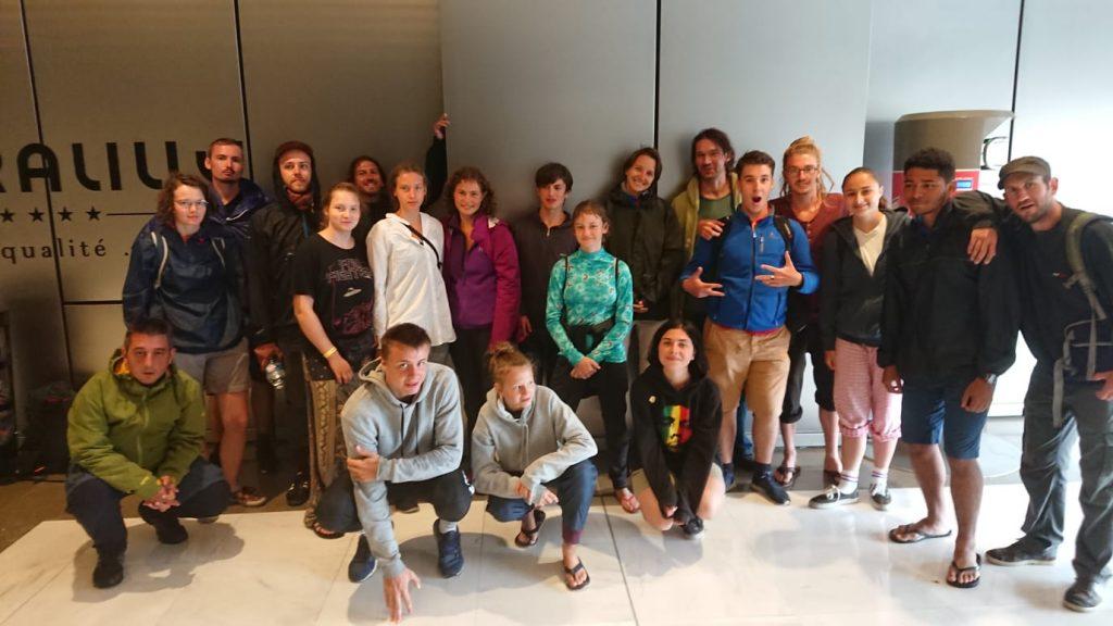 Gruppe der Radreisenden in Nordfrankreich