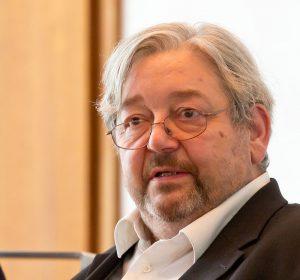 """Pressekonferenz Hardy Krüger """"Gemeinsam gegen rechte Gewalt"""" im Historischen Rathaus von Köln Foto: Bernd Wagner (Kriminalist)"""