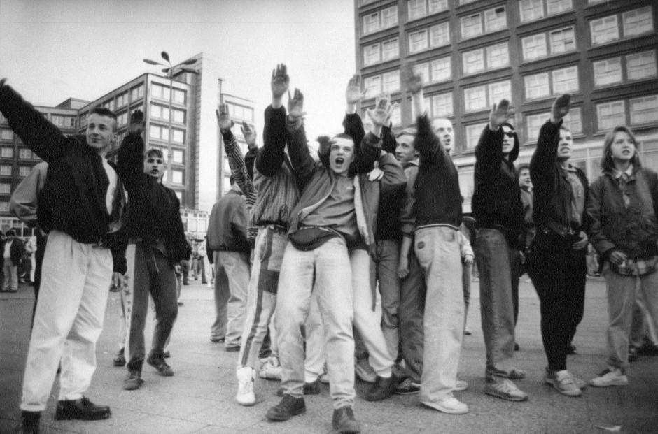 Bild: Matthias Weber/Robert-Havemann-Gesellschaft Vergrößern Berlin, Alexanderplatz 1990